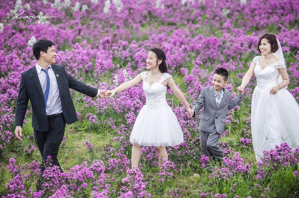 chụp hình gia đình kỷ niệm ngày cưới